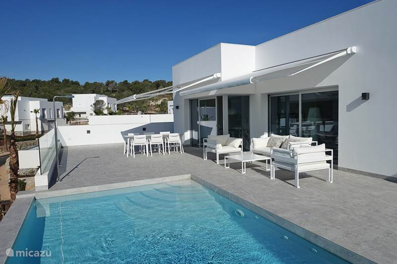 villa luxus villa in san miguel de salinas costa blanca spanien mieten micazu. Black Bedroom Furniture Sets. Home Design Ideas