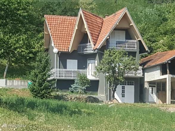 Vacation rental Serbia – holiday house Country house Rieves