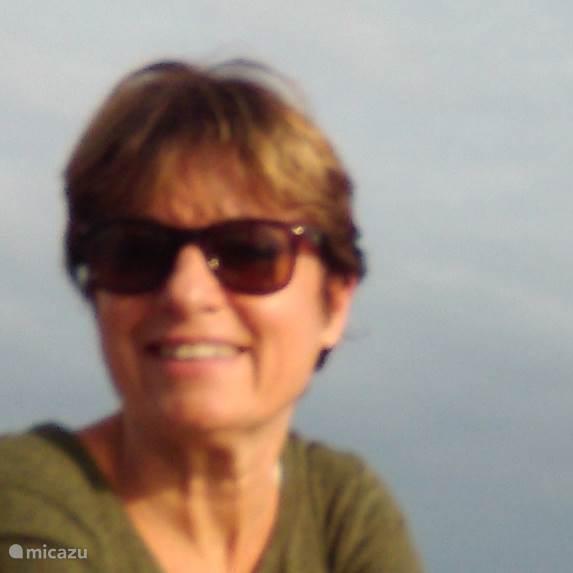 Jacqueline Schut