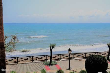 Vacation rental Spain, Costa del Sol, Estepona apartment Beach front duplex La Gaviota