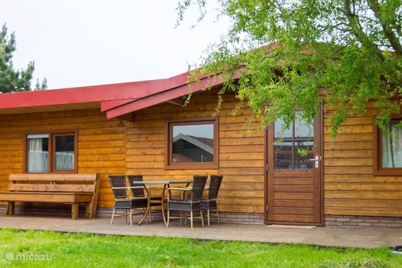 blockh tte lodge die log cabin in egmond binnen nordholland niederlande mieten micazu. Black Bedroom Furniture Sets. Home Design Ideas