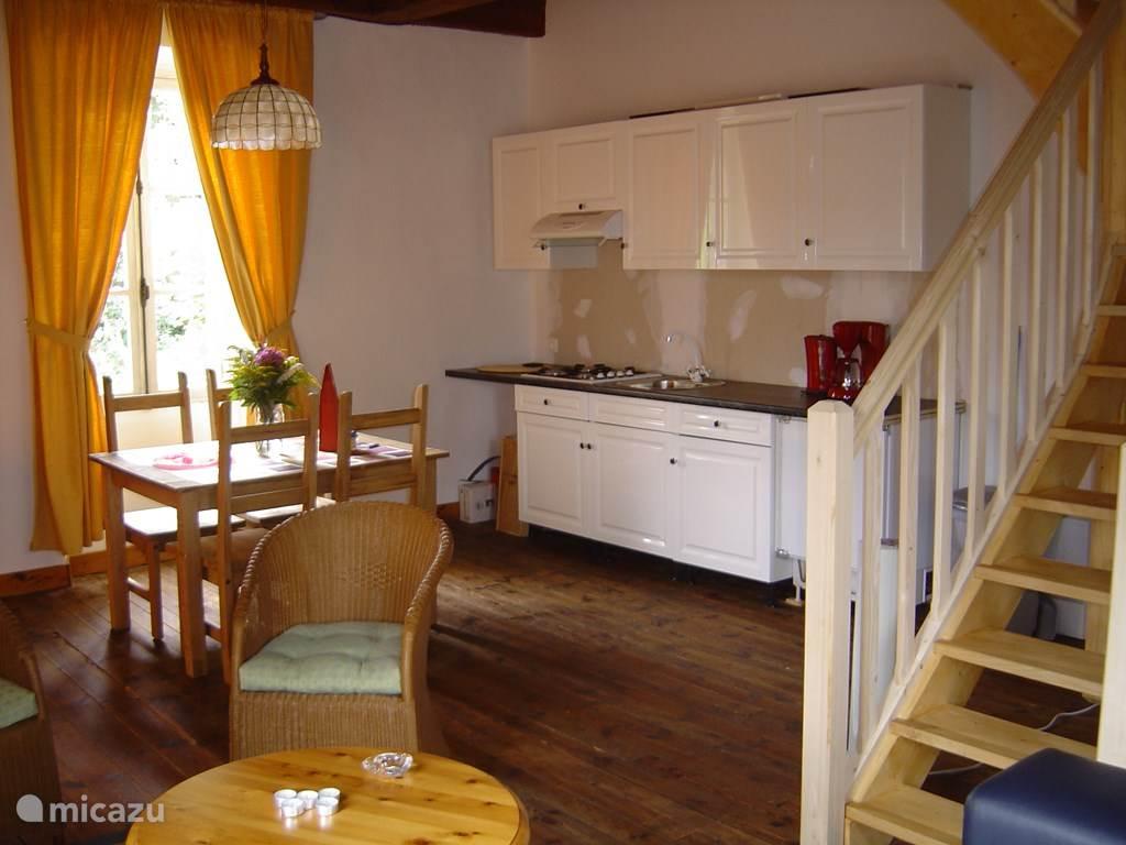 koetshuis La Vue met open keuken.