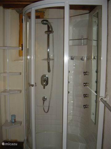 badkamer appartement La Violette