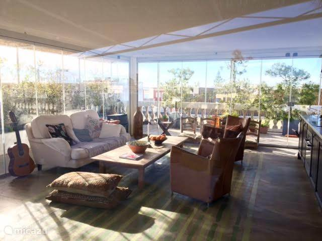 Dakterras keuken, glaze woon kamer  The glass roof terrace kitchen/living room   Roof terrace
