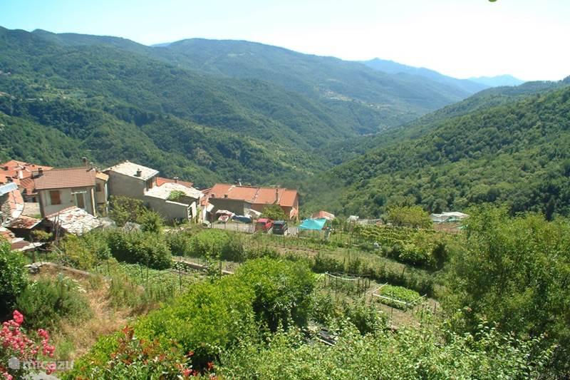 Vakantiehuis Italië, Ligurië, Montegrosso Pian Latte Vakantiehuis Tra Mare e Monti