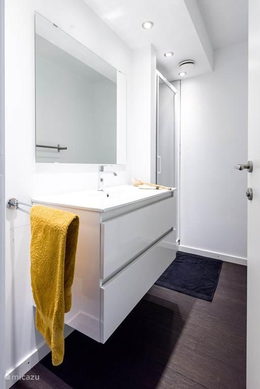 1 van de 7 badkamers