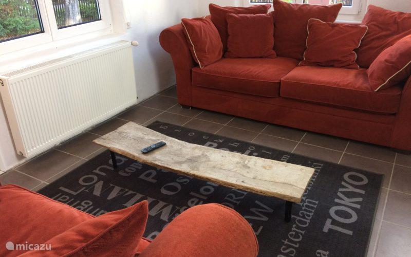 Lounge ruimte met TV