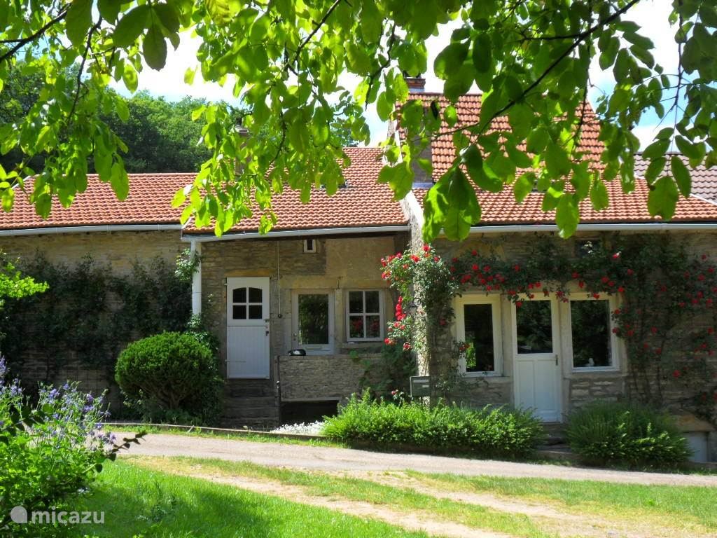 Vacation rental France, Burgundy, Saint-Martin-du-Tartre -  gîte / cottage Collongette