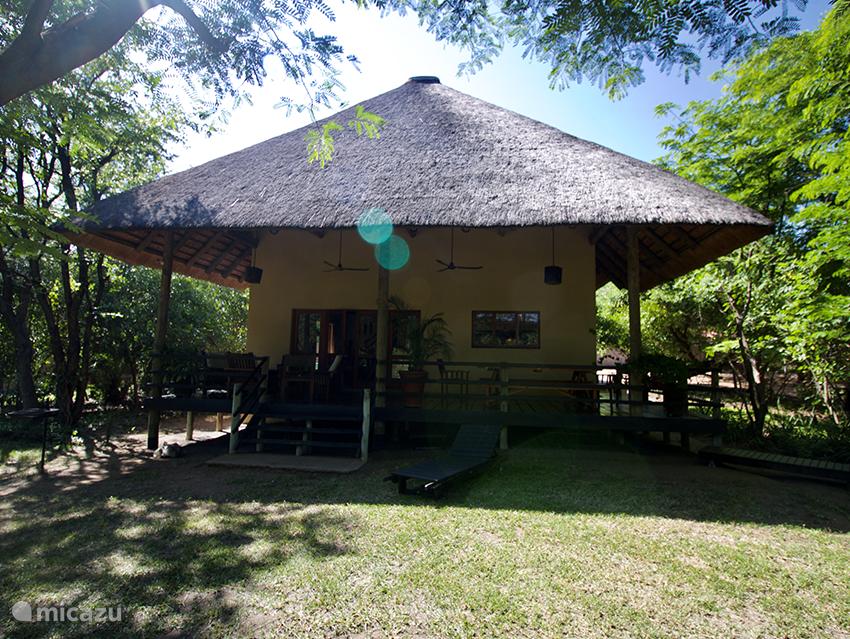 Vakantiehuis Zuid-Afrika, Limpopo, Phalaborwa vakantiehuis Ruim en luxe safarihuis nabij Kruger
