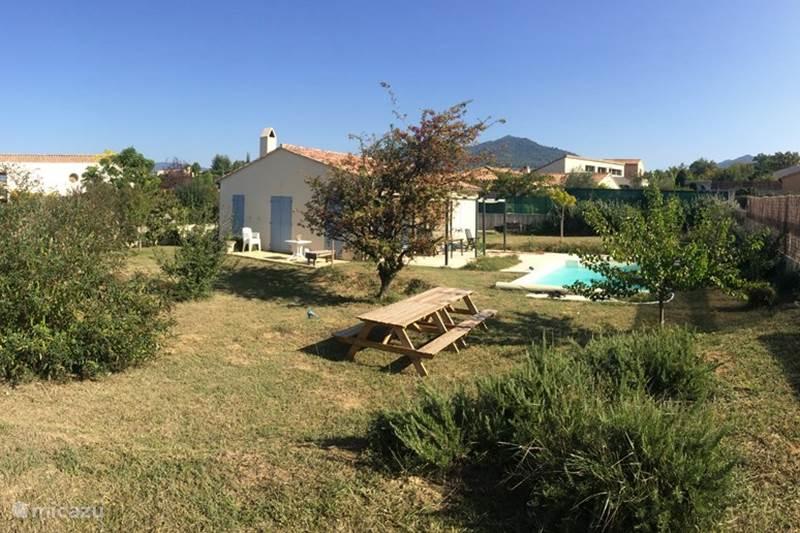 Vakantiehuis Frankrijk, Drôme, Mirabel-aux-Baronnies Vakantiehuis Les Saffres,  villa met zwembad