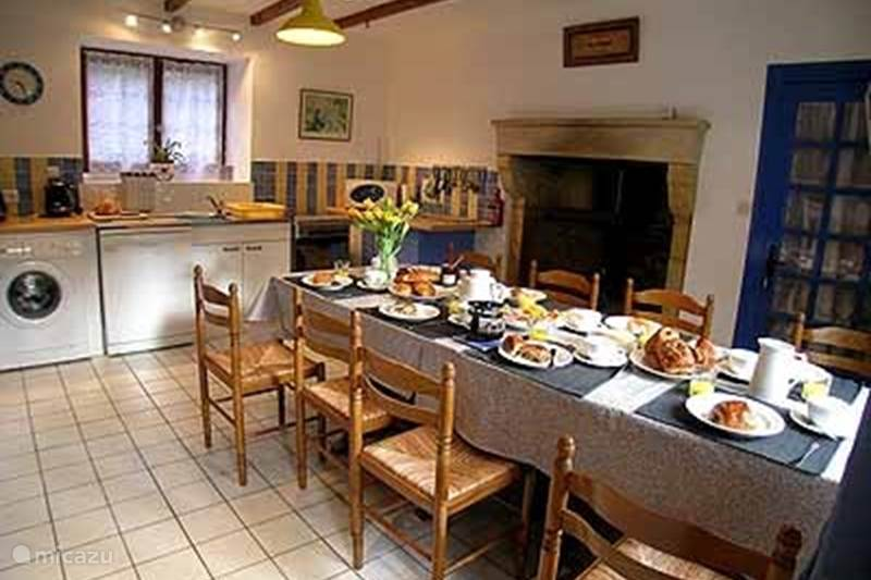 Vacation rental France, Deux-Sèvres, Vernoux-en-Gâtine  Gîte / Cottage Les Glycines Gites