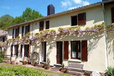 Vakantiehuis Frankrijk, Deux-Sèvres, Vernoux-en-Gâtine gîte / cottage Les Glycines Gite