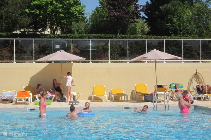 Vakantiehuis Frankrijk, Charente, Écuras Bungalow Huis Schot in de Roos 5 op Le Chat