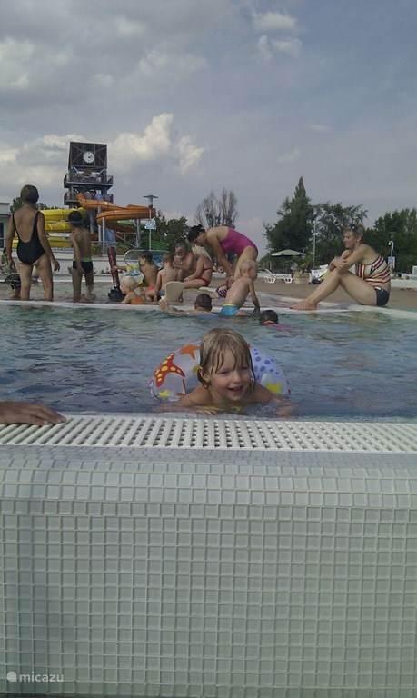 Zwembad in Szekszard