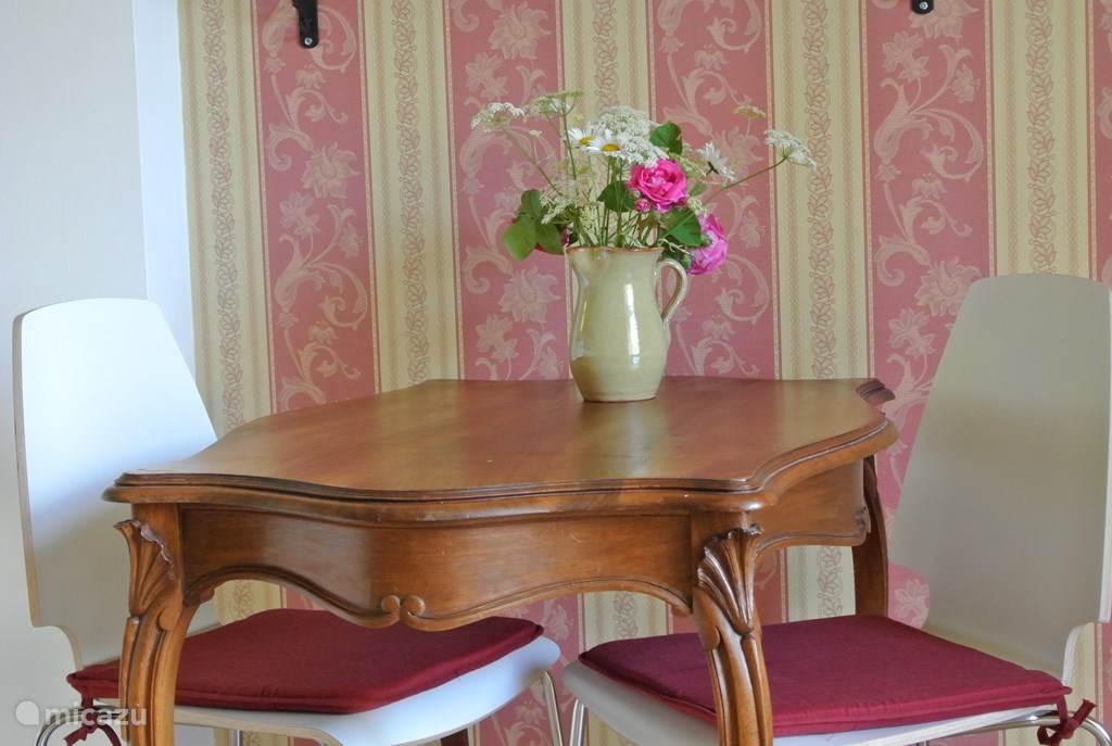 authentiek Frans tafeltje
