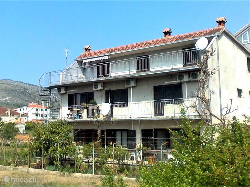 Vacation rental Croatia, Dalmatia, Trogir Apartment Apartment Lorenc