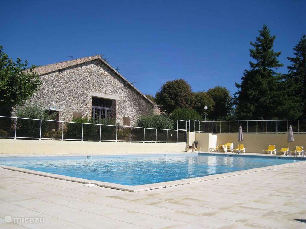 Vakantiehuis Frankrijk, Charente, Écuras Vakantiehuis Village Le Chat Maison 235