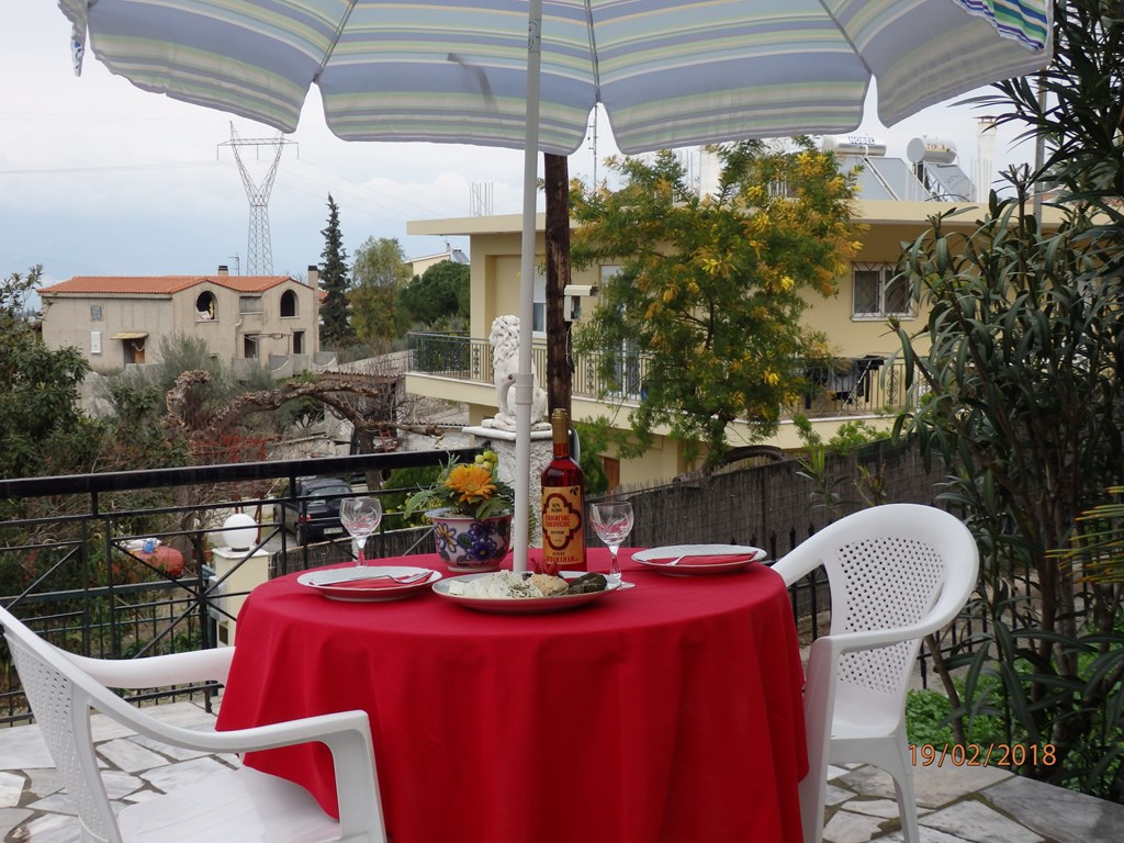 Het uitzicht vanuit dit terras kan je nu ipv €280,-- met extra korting voor € 238,-- per week genieten. Aanbieding is geldig in de maand juni.