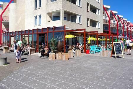 Boulevard met restaurant