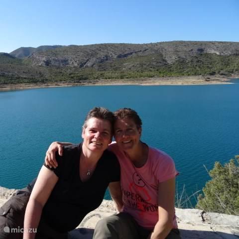 Marina & Miriam Kaldenbach-Bakker