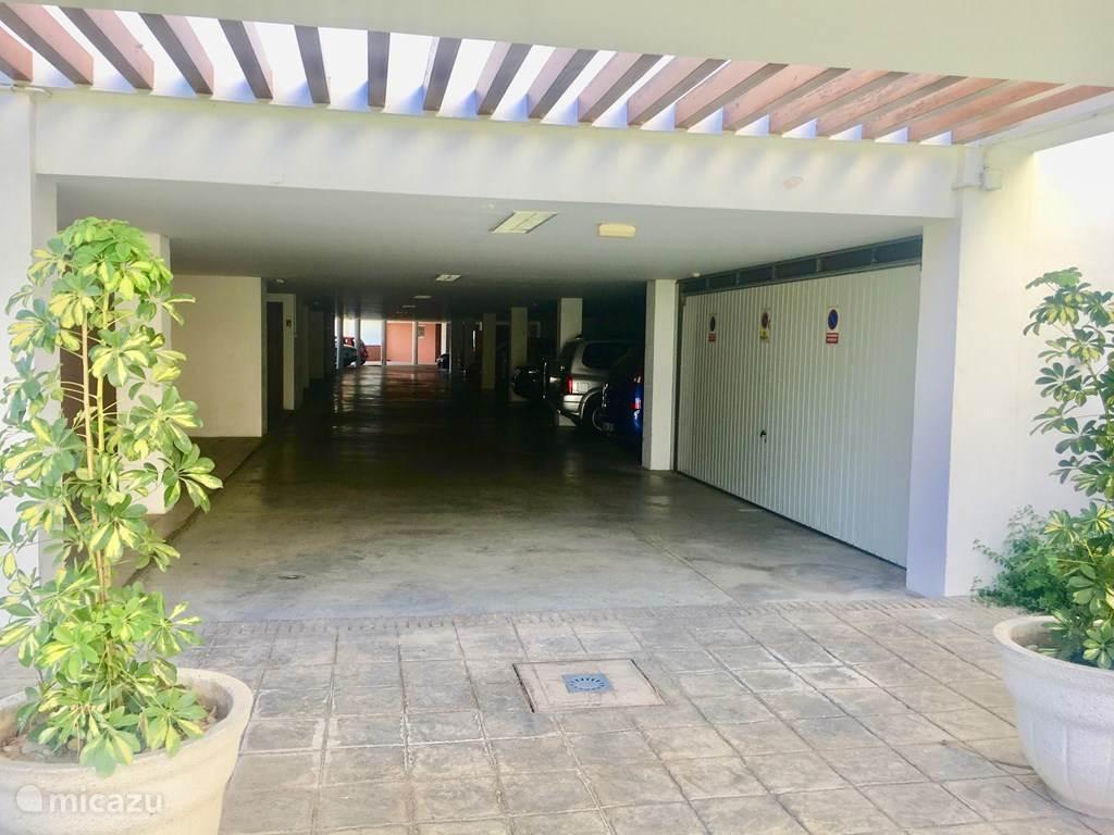 ingang parkeer garage