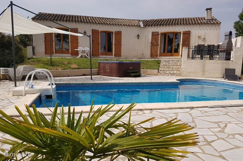 Vacation rental France, Aude, Escales Villa 6-pers. private villa pool jacuzzi