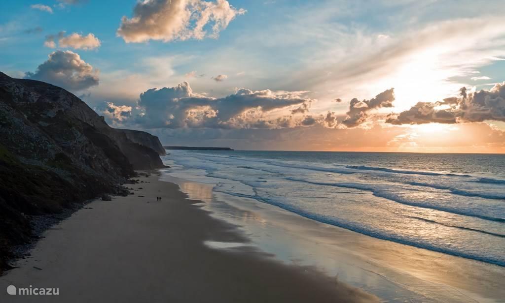 Vale Figueiras strand aan de westkust