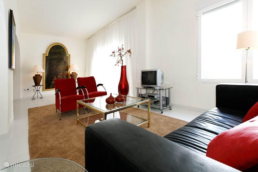 Vakantiehuis Spanje, Costa Blanca, Alfáz del Pi - appartement Casa Barranco Rainbow apartment