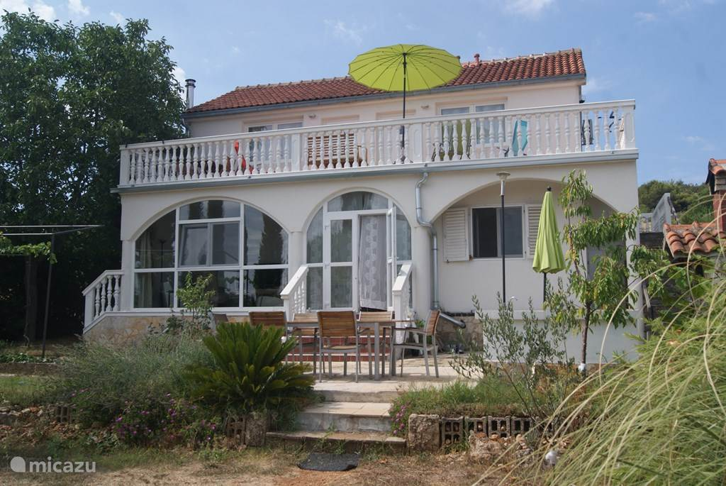 Vacation rental Croatia, Dalmatia, Tisno Apartment Maestral Nautika 2