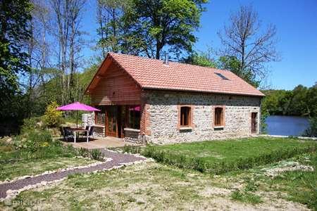 Vacation rental France, Puy-de-Dôme –  gîte / cottage Tresor Etang du Cheix