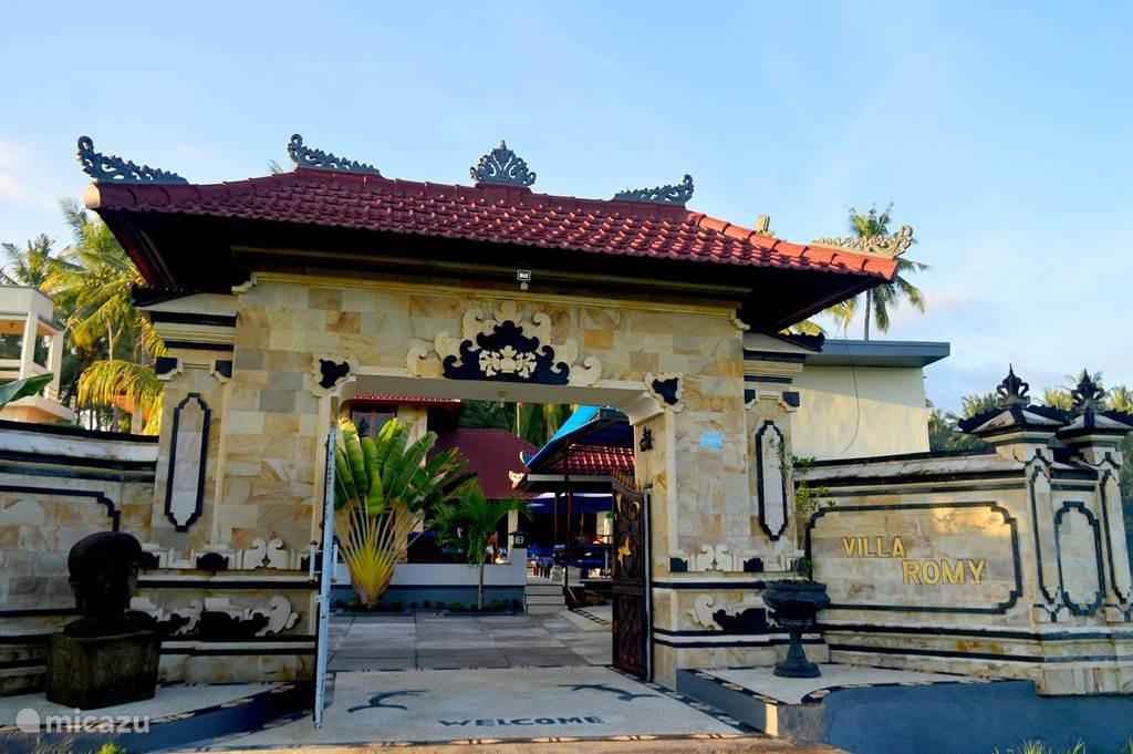 Ingang Villa Romy & Bungalows
