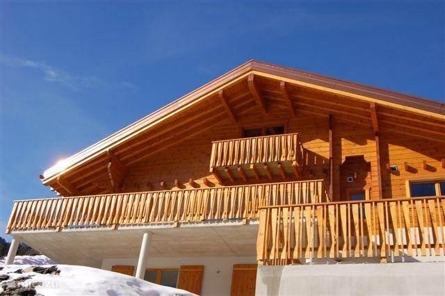 Vakantiehuis Zwitserland – chalet Chalet Lachoufrelle 14p