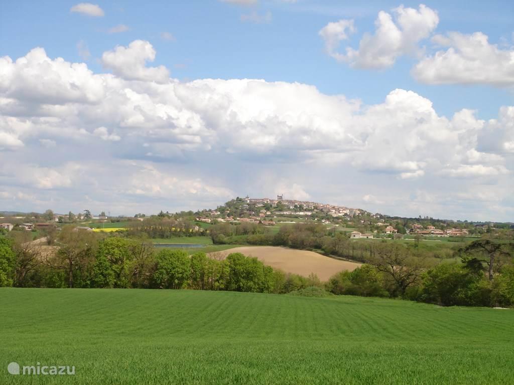 Monflanquin, het dorp van dit vakantieappartement