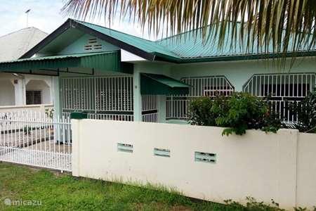 Vakantiehuis Suriname, Paramaribo, Paramaribo – appartement Vakantiehuis Jelano te Uitvlucht Sur
