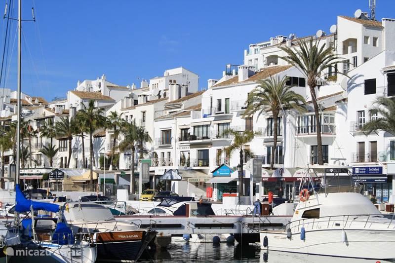 ferienhaus luxus wohnung mit privatem pool in marbella costa del sol spanien mieten micazu. Black Bedroom Furniture Sets. Home Design Ideas