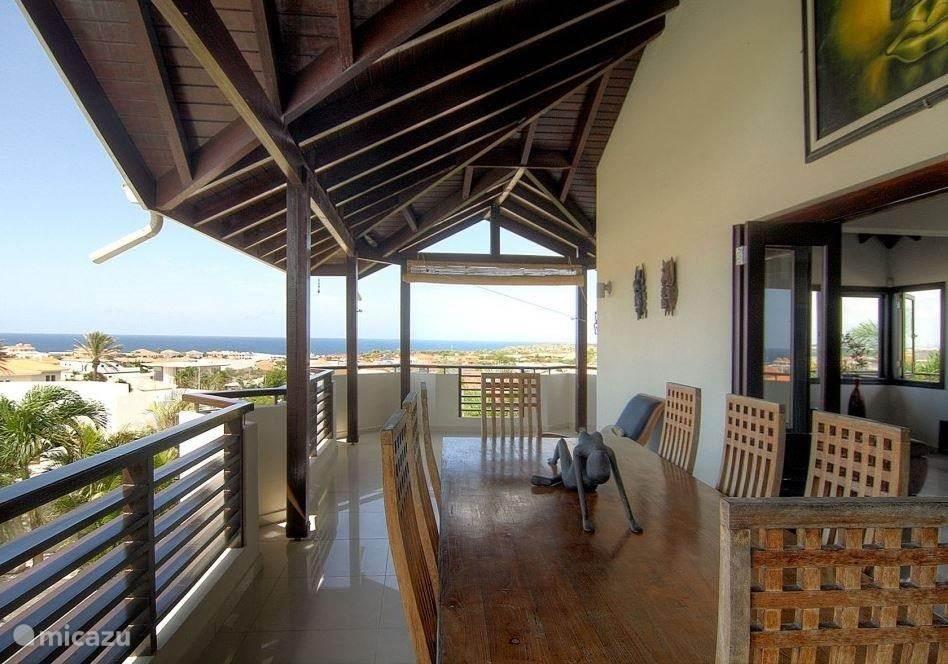 Porch met uitzicht over de Caribische Oceaan.