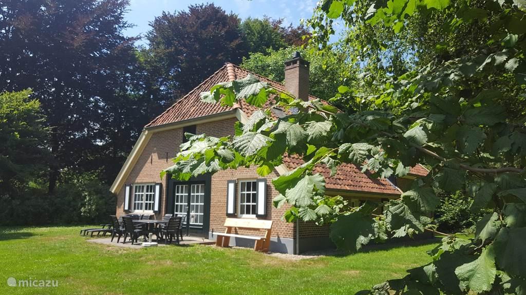 Vakantiehuis Nederland, Gelderland, Hengelo Vakantiehuis Luxe boerderij Atilla voor 9 pers.