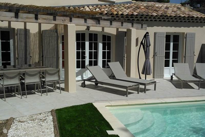 Vacation rental France, Bouches-du-Rhône, Mallemort Holiday house Villa Cigale