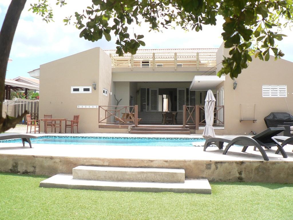 Vrije dagen November / December 2018 beschikbaar met basisprijs van €185,- voor €165,- per nacht voor 4 personen. Heerlijk relaxen op Curacao!