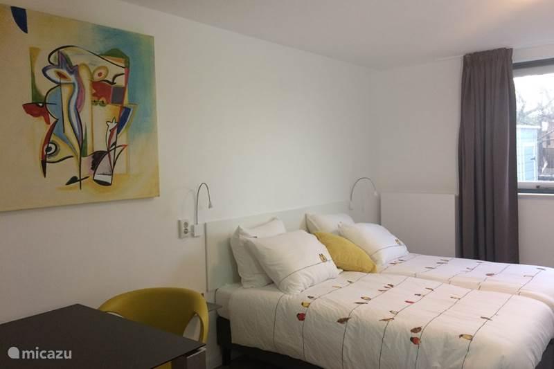 Vakantiehuis Nederland, Noord-Holland, Haarlem Bed & Breakfast B&B Haarlem49  Kamer geel