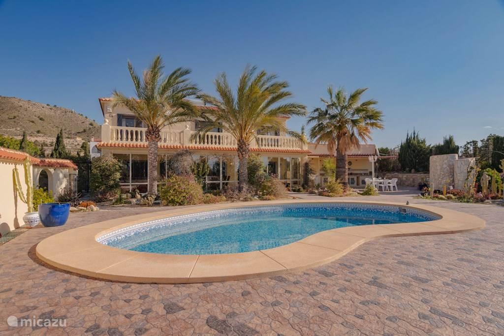 Vakantiehuis Spanje, Costa Blanca, Villajoyosa (Benidorm) villa Luxe Villa Las Brujas de la Suerte