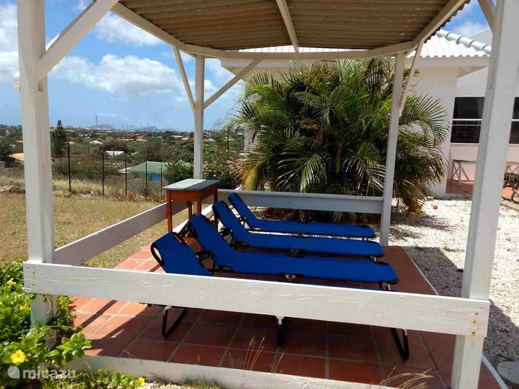 Heerlijk relaxen op het tweede terras