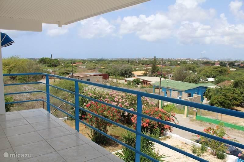 Een prachtig uitzicht vanaf het hooggelegen balkon