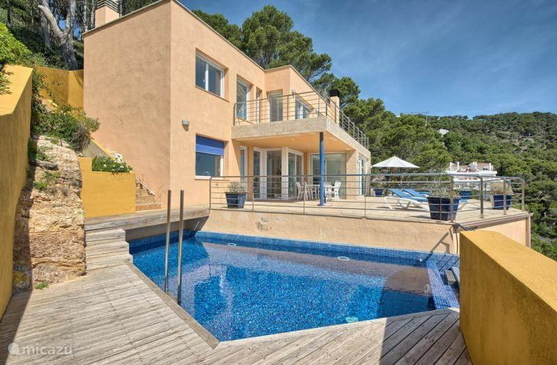 Villa met terras en privé zwembad