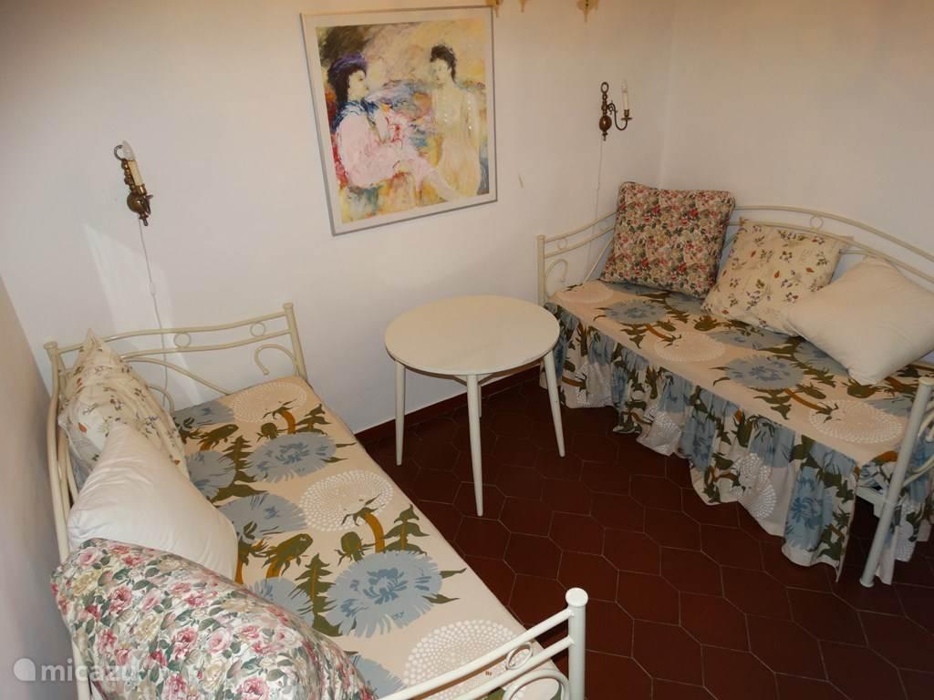 slaapkamer 3 of woonkamer