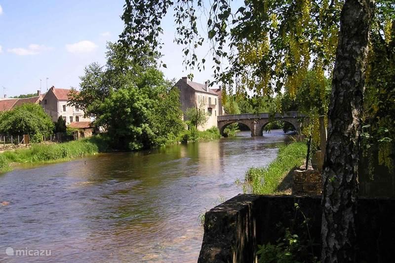 Vacation rental France, Yonne, Saint-Père-sous-Vézelay Holiday house Riverhouse