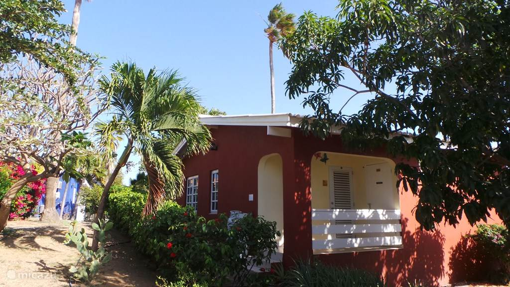 De voorzijde van bungalow B26.