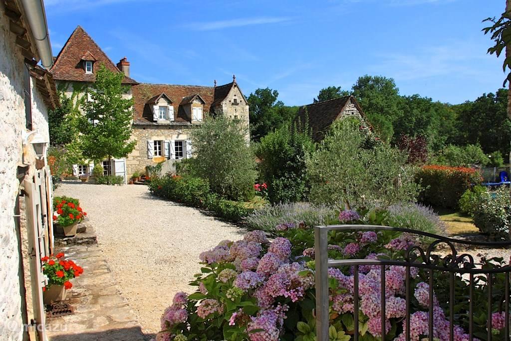 Vakantiehuis Frankrijk, Lot, Cajarc Gîte / Cottage Le Chant du Verdier - Les Lilas