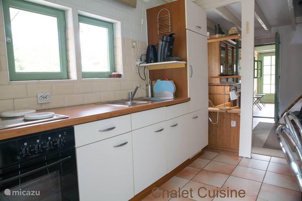 Dit is de keuken in het chalet.