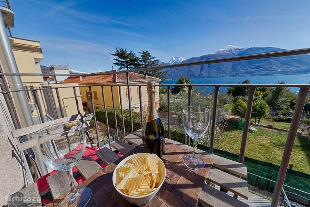 Het Franse balkon met het geweldige uitzicht.